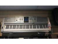 Yamaha DGX-305 Portable Grand Electric Keyboard