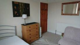 Double furnished room to let in Parkstone Poole