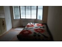 1 Bedroom flat to let in Hendon NW4, Part Dss welcome