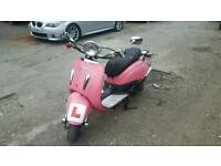 Direct bikes 125 4 stroke pink scooter moped women's transport with mot ready to drive away