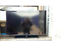 """Samsung 40"""" inch TV with stand - 530 Class - Series 5"""