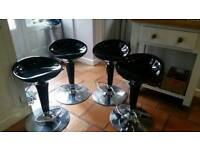 Swivel kitchen stools
