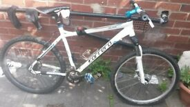 carrera valour bike £50 ono needs new hanger