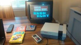NES NINTENDO ENTERTAINMENT SYSTEM 1985 NES VERSION GAMES AND PORTABLE COLOUR TV