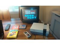 NES NINTENDO ENTERTAINMENT SYSTEM 1985 NES VERSION GAMES AND PORTABLE COLOUR TV