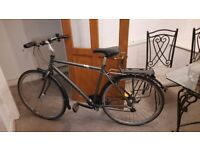 Very good 28'' bike with puncture-proof tires