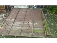 Used 6x6 fencing. 7 panels / 3 ok con