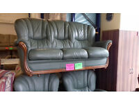 ITALIAN LEATHER 3 Peice Suite / Suite / Sofa...Good Condition... Local Delivery......