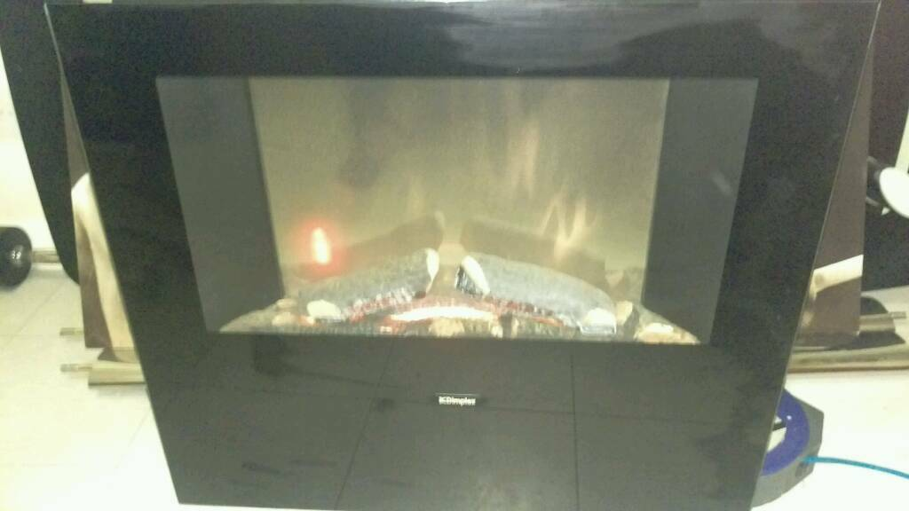 Dimplex fire with remote