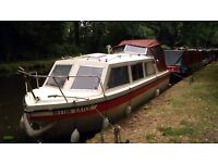 Boat: Cabin Cruiser, Viking 23. (4 berth, shower, heating, 15HP outboard) River Wey, Pyrford