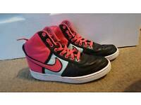 Nike hightop trainers size 5