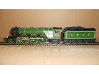 Hornby LNER Green Class A1 4-6-2 Number 2551 '' PRINCE PALTINE '' 00 GAUGE unboxed nice item