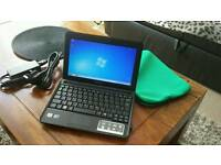 Samsung n130 netbook laptop