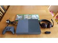 Xbox One S storm grey (like a brand new)