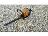 Petrol hedge trimmer. 16 inch blade. Used last year no fuel to try now 30 ono