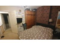 ***MODERN TWO BEDROOM HOUSE ON ELGAR ROAD AVAILABLE IMMEDIATELY***