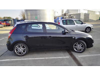 Hyundai I30 1.6 CRDi Premium 5dr Black metallic , black leather, good condition