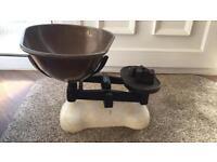 Large grocer/kitchen scales