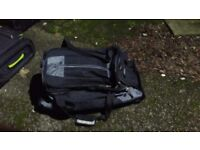 A2B Travel holdall bag with wheels