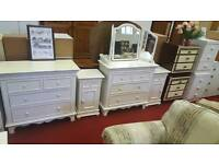 Bedroom set 1 x dresser 1x chest of drawers 2 x bedside cabinets