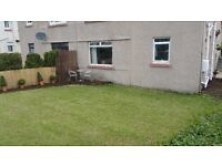 2 BEDROOM GROUND FLOOR MAIN DOOR FLAT IN SOUTH QUEEENSFERRY . FIXED PRICE.