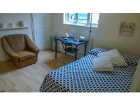 Beautiful Double Room Available In Shadwell