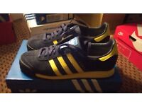 adidas samoa trainers,navy,with yellow stripes