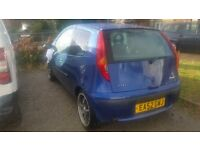 fiat punto 1.2//2002////spares or repair/// £200 drive away