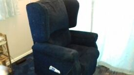 Riser / recliner chair