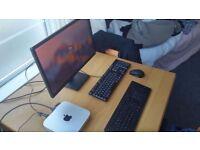 """Mac mini (Late 2012) Intel i5 2.5GHz - 4GB DDR3 RAM - 500 GB HD (with 23"""" Dell monitor)"""