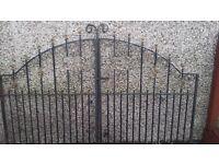 Double drive way gates