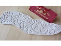 Cake decorating tool. Squires Kitchen Great impressions mold