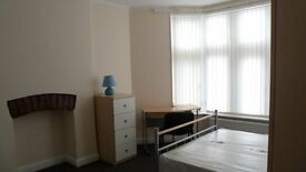 2 bedsits avaialble for Professionals in Fishponds