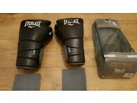 Everlast Protex 3 16oz Boxing Gloves