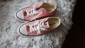 Converse pink trainers 4,5size