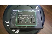 ROLAND VT-3 BOXED WITH PSU
