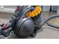 Dyson DC28C Musclehead Bagless Cylinder Vacuum Cleaner