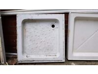 White Shower tray 750mm x 750mm x 90mm. Used but in great condition.