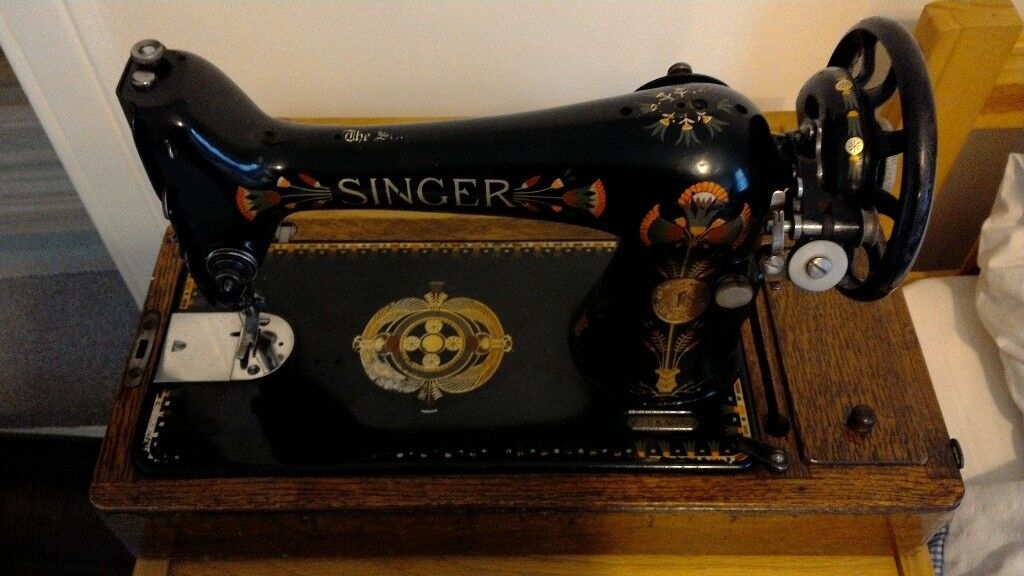 Singer Sewing Machine In Case Lotus Pattern Model 40k In Classy Lotus Singer Sewing Machine