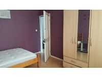 Large double bedroom,own lounge,own toilet in a house near Stratford £710pcm including bills