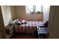 Bright single room in Kennington (all incl.)