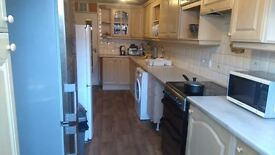 Nice Double Room to rent, Town Centre, friendly 5 bedroom house in Basingstoke, Oakridge