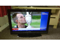 "TOSHIBA 32"" HD LCD TV (FREEVIEW)"