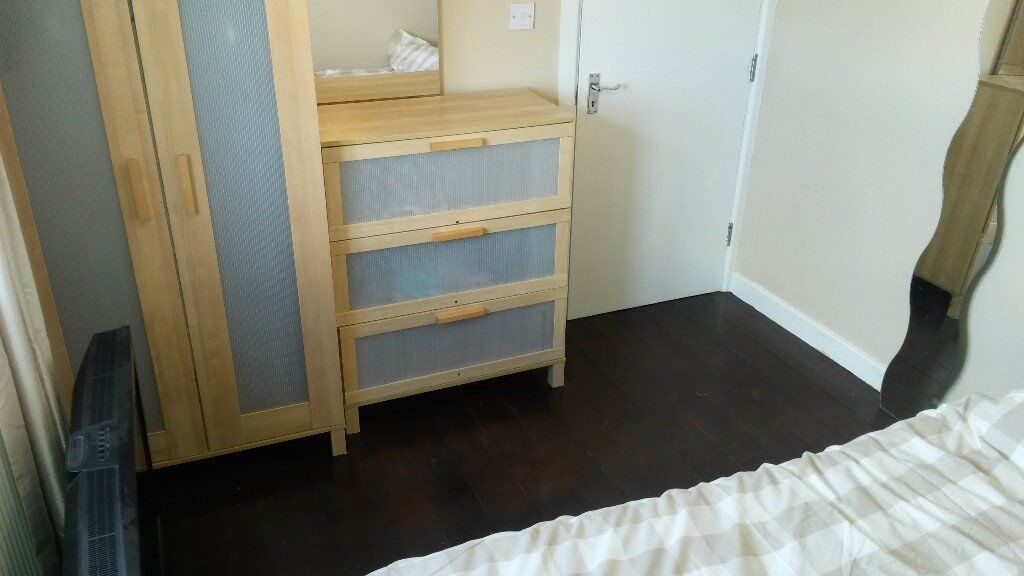 Double room £450pcm - available in Woolwich
