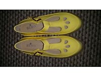 NEW Yellow ladies/girls size 3 shoes.