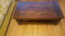Solid wood coffee table in vgc
