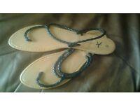 Ladies flip flops