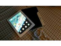 iPad 3 64gb WiFi + 3g with USB Cable and Leather Case