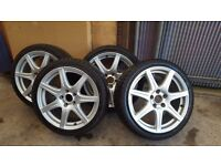 HONDA (2007 – FN2) CIVIC TYPE R OEM ALLOY WHEELS with winter tyres.