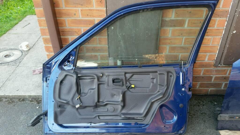 BMW e36 3 series hatchback driver side front door
